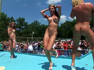 Wonderful Babes Dance Naked Outdoors In A Swimming